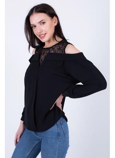 Clıche  Kırmızı Omuzu Açık Yakası Dantelli Uzun Kollu Bluz  Siyah